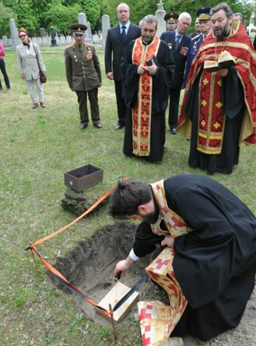 Восстановление могил советских воинов в столице Венгрии началось.