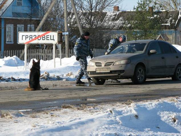Беглец бросил машину на въезде в Грязовец.