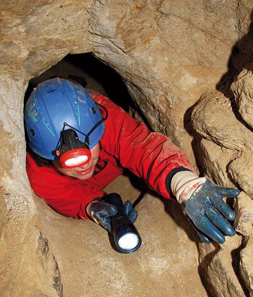 Между тоннелями ходы диаметром 40 сантиметров: только гномы и пролезут