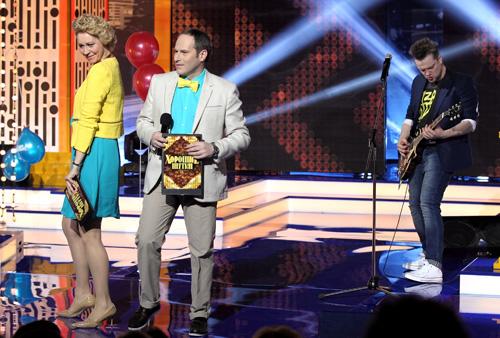 Татьяна, Михаил и Александр увлекаются не только политикой, но и юмором.