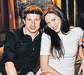 Новая девушка Алдонина помогла футболисту оправиться после тяжелого развода с певицей Юлией Началовой.
