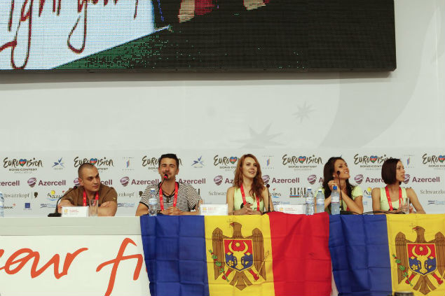 """На пресс-конференции Паша исполнил отрывок из """"Dorule""""- песни, с которой в прошлом году пытался попасть на """"""""Евровидение""""."""