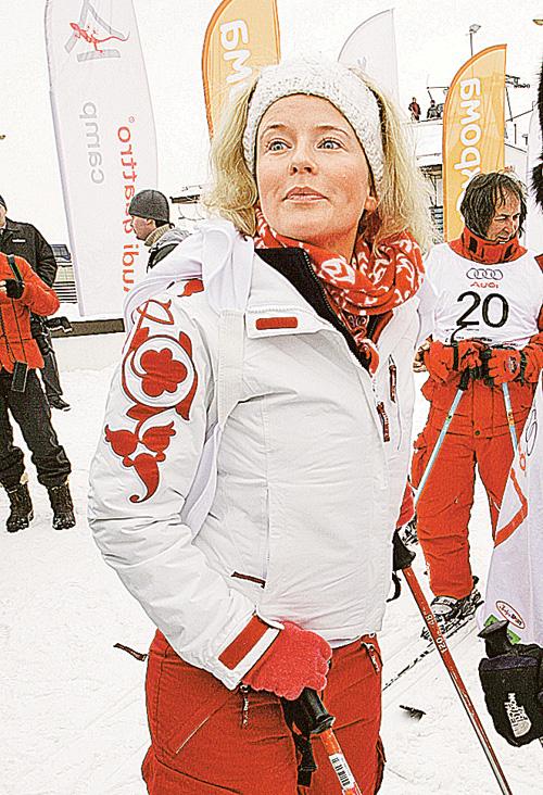 Телеведущая Татьяна Арно помнит гонкина горных лыжах с детства. Еще папа включал секундомер для дочки.