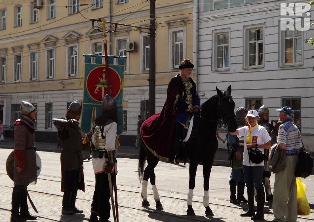 Жителей областной столицы приветствовал князь Михаил Тверской