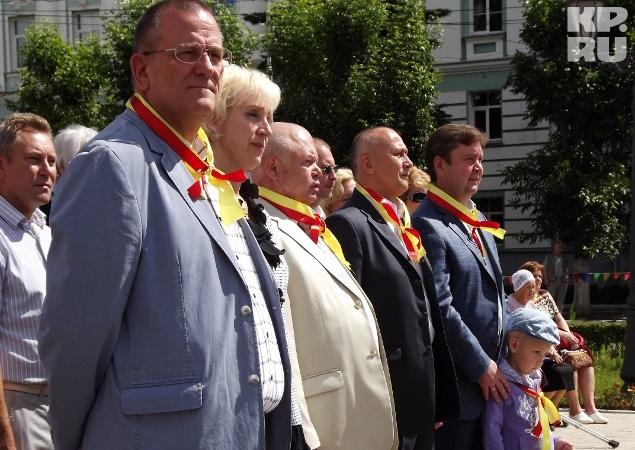 Первые лица города собрались на празднике на Советской площади