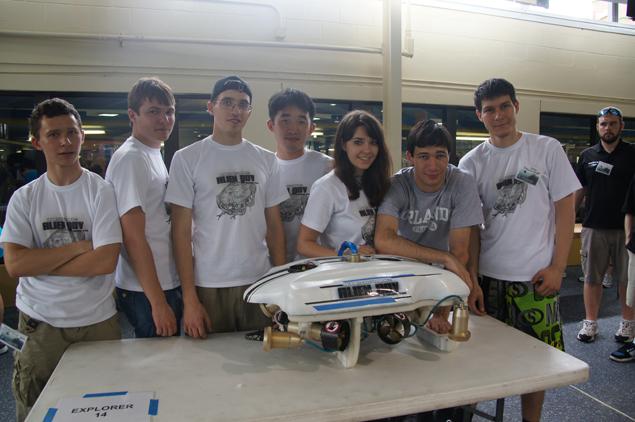 на соревнованиях роботов в