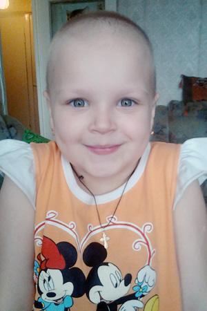 На лечение Лили нужно очень много денег, которых у ее родителей просто нет