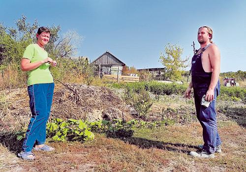 Только в воронежской глубинке Ирина и Александр Винк смогли воплотить в жизнь свою мечту - обзавестись большим участком земли, кормиться со своего огорода, растить детей и чувствовать себя счастливыми.