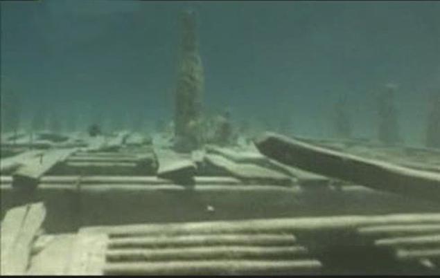 Город на дне Бермудского треугольника снят подводным роботм