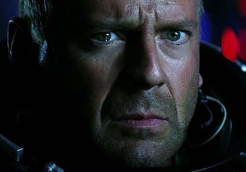 У землян есть еще двадцать лет, чтобы найти Брюса Уиллиса, который героически спасет планету.