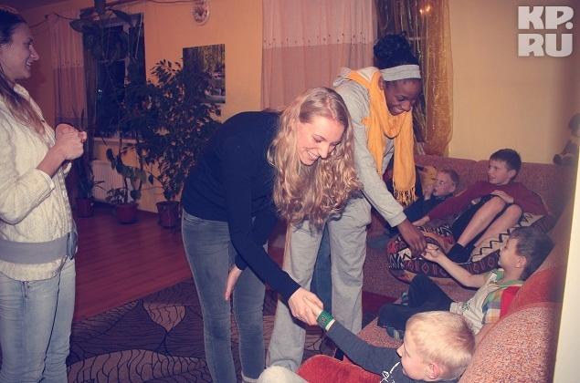Александра Столяр, Виктория Соловьева и Глори Джонсон быстро нашли общий язык с ребятами