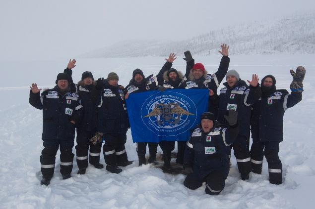 На льду озера Лабынкыр