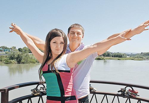 Николай Науменко встречался с Катей уже два года. В этом году они планировали пожениться.
