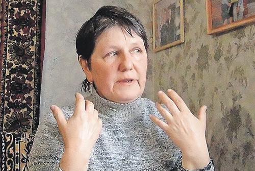 Мама Коли ГалинаПетровна неможет понять, зачто убили сына.