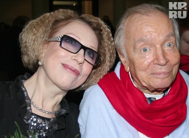 Андрея Андреевича нет с нами уже почти три года. Но даже для билких друзей (на фото актриса Инна Чурикова) Вознесенский остался непрочитанной книгой.