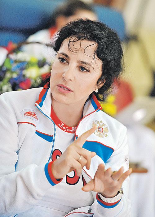 С утра до вечера Ирина Александровна в гимнастическом зале.