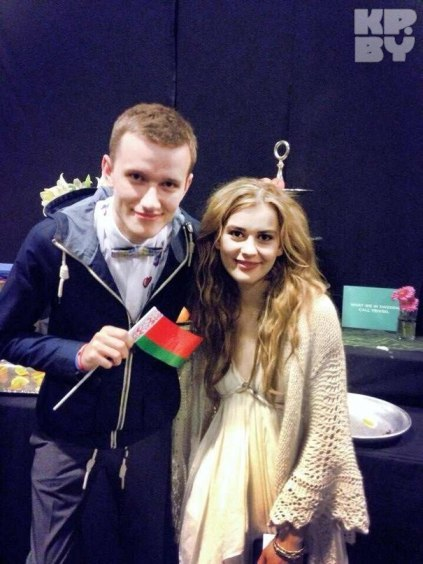 Победила на 58-м «Евровидении-2013» датчанка Эммили де Форес. На фото корреспондент «Комсомолки» с победительницей конкурса