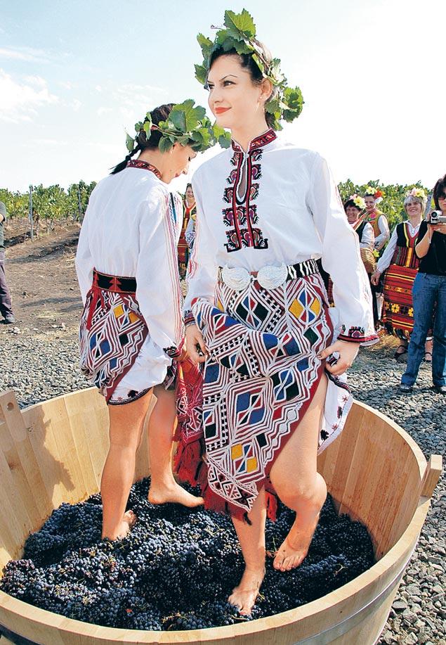 Увы, сельское хозяйство в Болгарии - теперь больше шоу для туристов, а не главная статья экспорта.