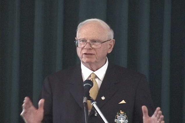 Пол Хеллье - один из немногих высокопоставленных чиновников, который искренне верит в инопланетян