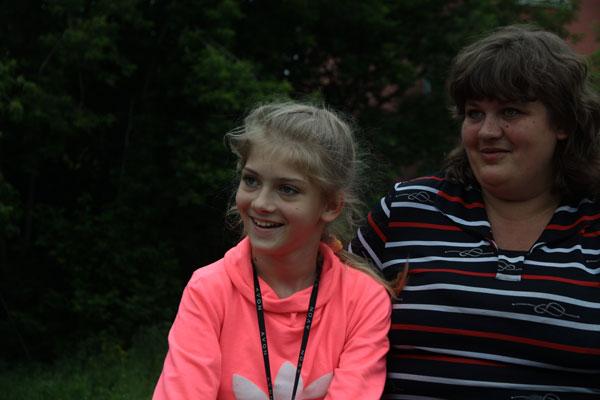 Больная ДЦП девочка Вера Кращук сумела подняться на ноги.