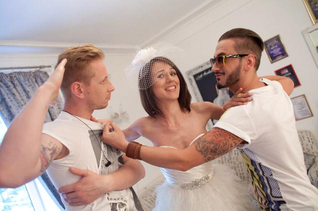 Катя музыкантам: не ссорьтесь, я пока только в клипе невеста.