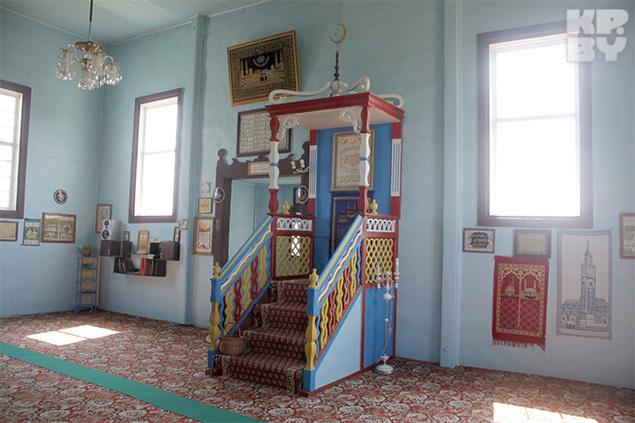 Интерьер мечети не сильно поменялся за последние столетия