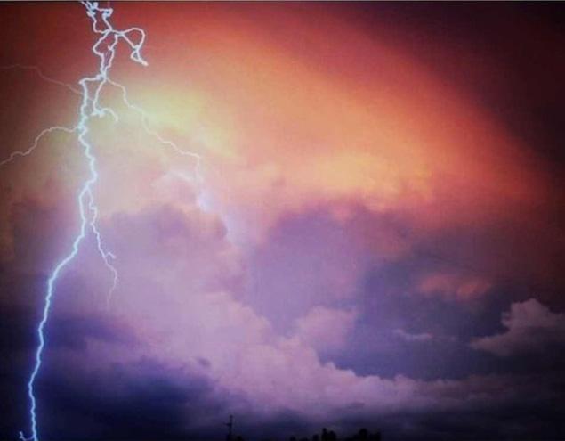 Челябянцев напугало аномальное оранжевое облако