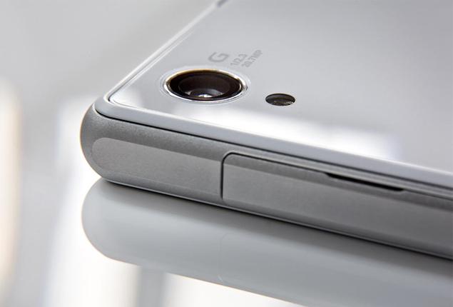 Новая камера с сенсором Exmor RS на 20,7 Мпикс, а также оптикой Sony G