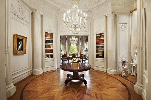 Теперь пара будет располагать восемью спальнями и просторной гостиной с видом на Центральный парк