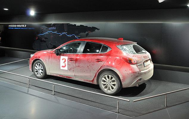 Участвующие в автопробеге машины стали центральной частью презентации во Франкфурте.