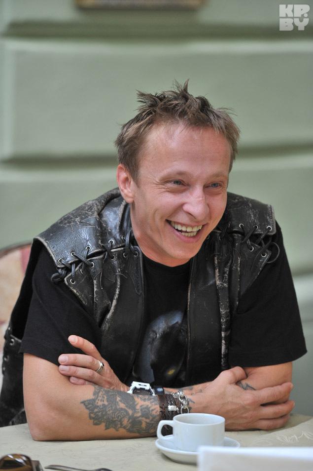 Иван Охлобыстин мечтает вырастить детей, купить два мотоцикла - себе и жене - и отправиться в путешествие по Европе.