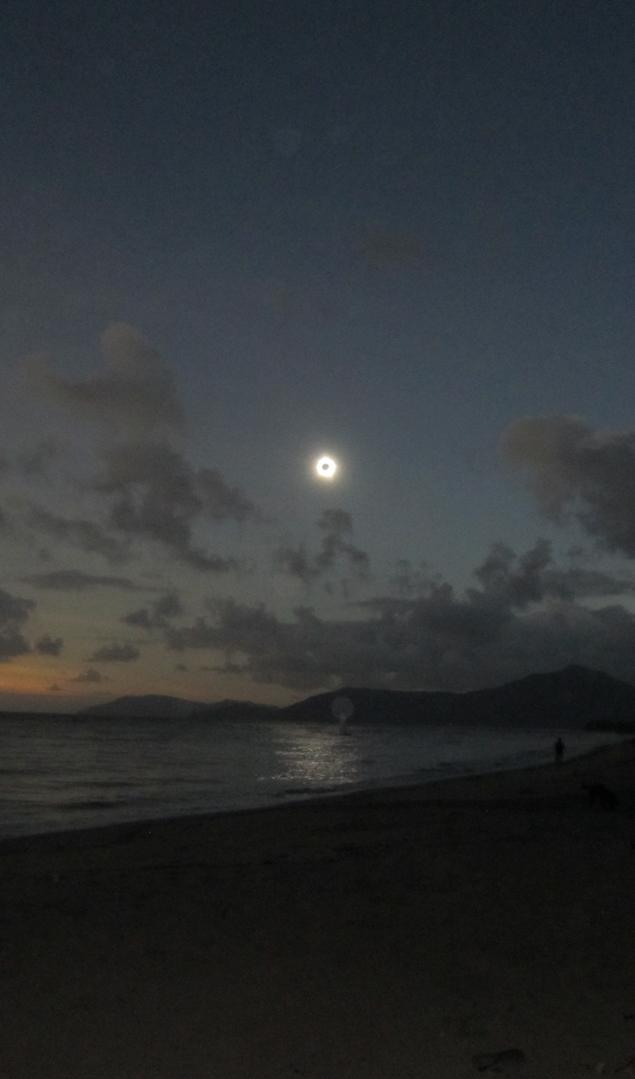 Так может выглядеть кольцевое солнечное затмение