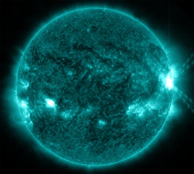 28 октября 2013 года активное Солнце полыхнуло мощной рентгеновсой вспышкой