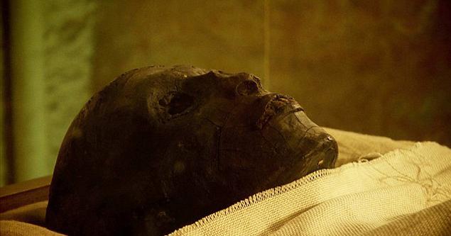 Тутанхамом запекся в собственном саркофаге