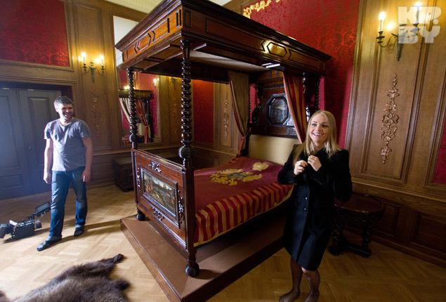 Самую откровенную сцену сняли в спальне князя Радзивилла