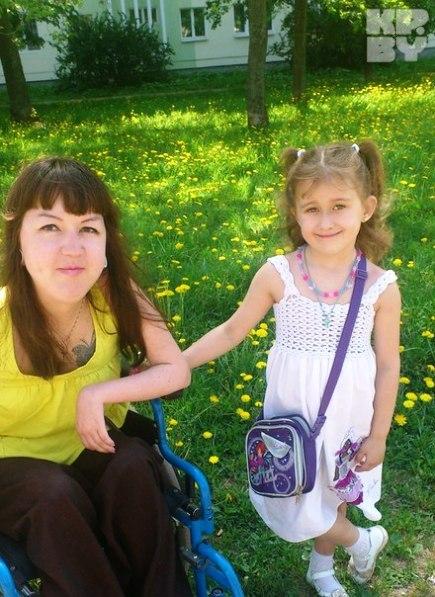 Дочь несмотря на угрозы от врачей, родилась здоровой. В следующем году Арине будет пять