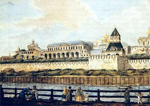 Во время правления Петра I было начато строительство Арсенала и были укреплены стены Кремля