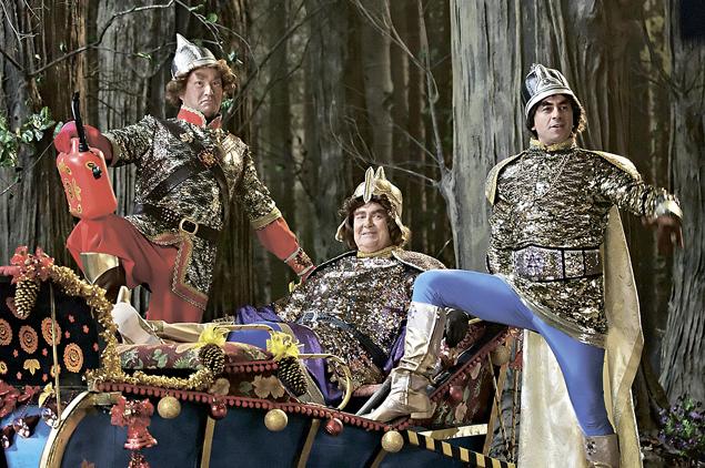 Три богатыря умеют путешествовать во времени и вселяться в туловища животных.