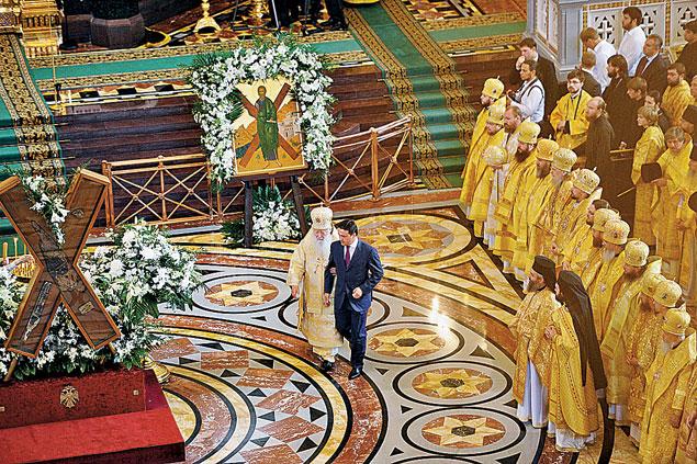 Без возрождения духовности не будет возрождения страны! 24 июля 2013 года: праздничные мероприятия в кафедральном соборном храме Христа Спасителя по случаю 1025-летия Крещения Руси.