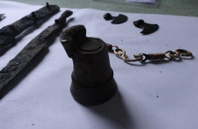 Еще одна археологическая редкость — древняя шахматная фигурка.