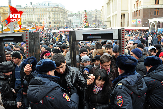 Напомним, что в конце декабря активисты нескольких общественных мусульманских организаций обещали собрать на Манежной площади до миллиона человек