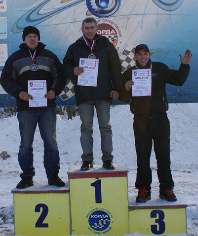 Сергей Жицкий (в центре) был одним из самых опытных вологодских автогонщиков