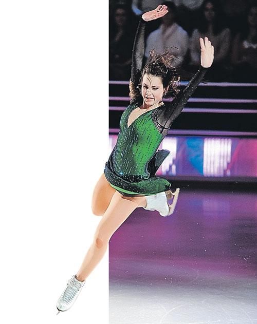 В преддверии Олимпийских игр в Сочи Ирина Слуцкая вновь выйдет на лед.