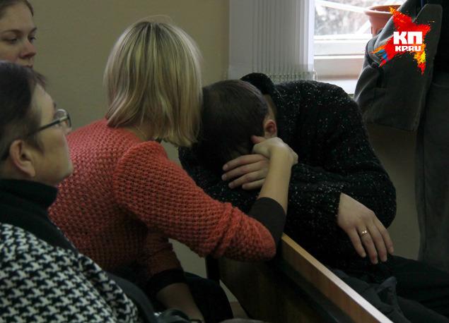 Бывшие полицейские, осужденные за пытки, плакали на вынесение приговора.