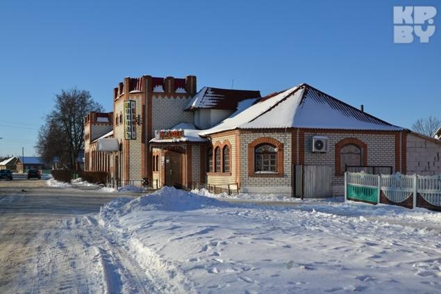 Дом первого президента стоил как раз на месте нынешнего кафе