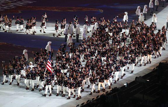 В настоящее время самый популярный снимок в олимпийском фотосервисе - американской сборной во время выхода на церемонии открытия Олимпиады