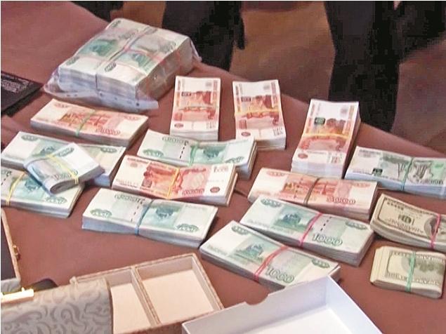 В съемной квартире Сундукова нашли мешки с деньгами и драгоценности