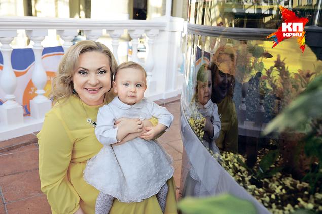 Несмотря на плотный рабочий график, Светлана всегда находит время, чтобы побыть с дочкой.