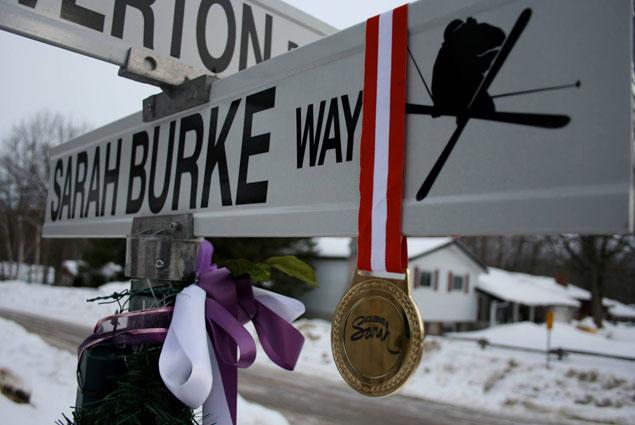Летом 2012 года на родине Сары в канадском Мидленде (штат Онтарио) появилась улица в честь знаменитой спортсменки