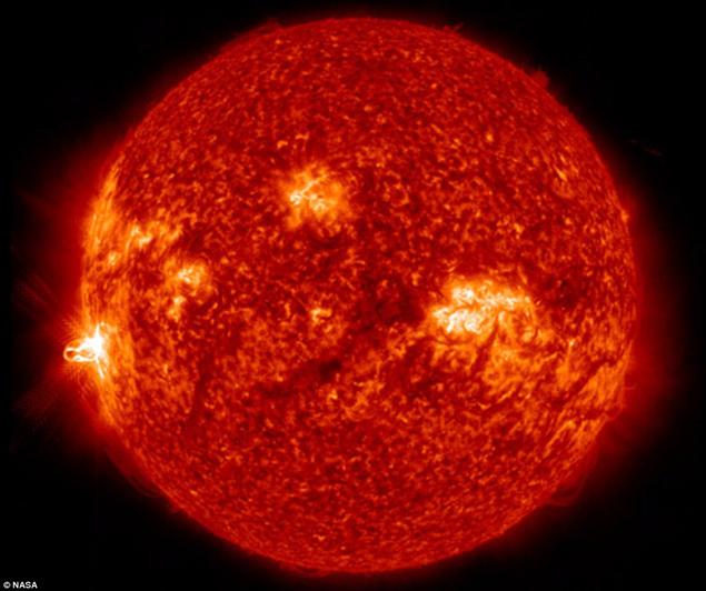 24 февраля 2014 года на Солнце вспыхнула самая сильная за последнее время ренгеновская вспышка максимального класса мощности - Х.